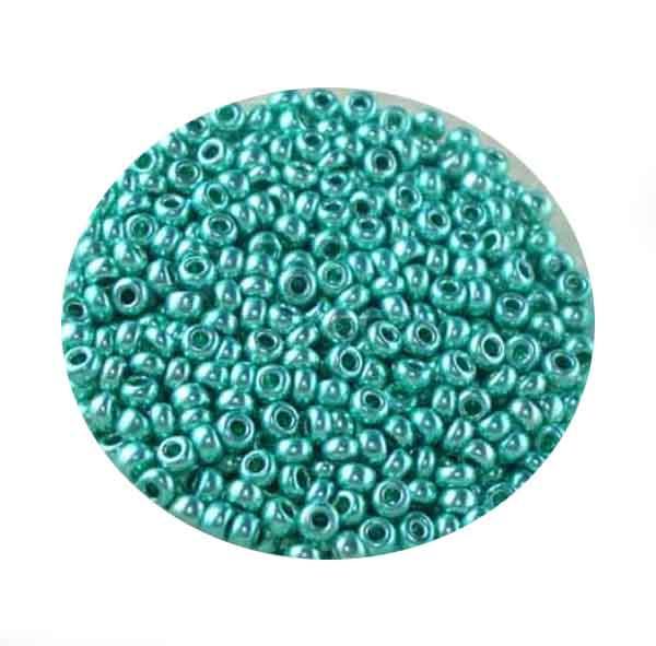 Metallicrocailles, glänzend, 2,6mm, 17gr. Dose, grün