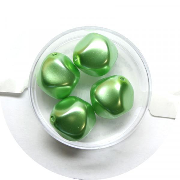 Pearl Renaissance, 17mm, 4 Stück, hellgrün