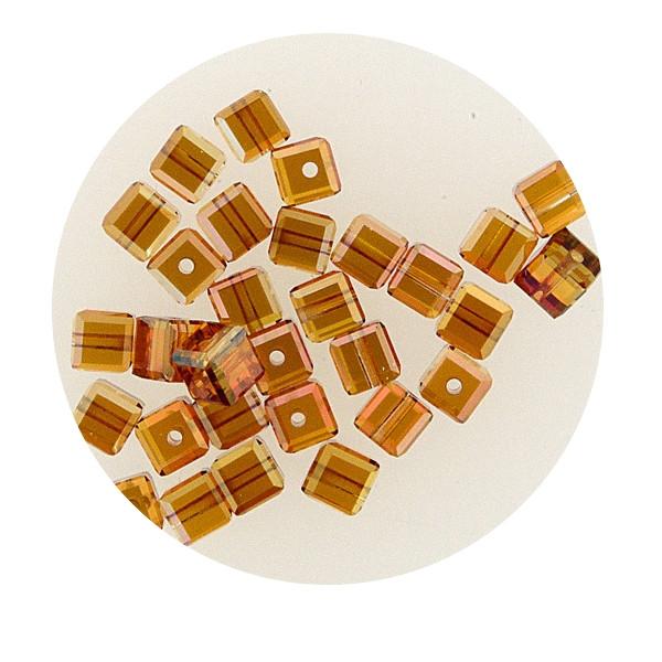 Swarovski Würfel, quer gestochen, 4mm, 3 St., light topas